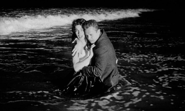 """Le plan de fin """"original"""" de Kiss Me Deadly (1955)"""