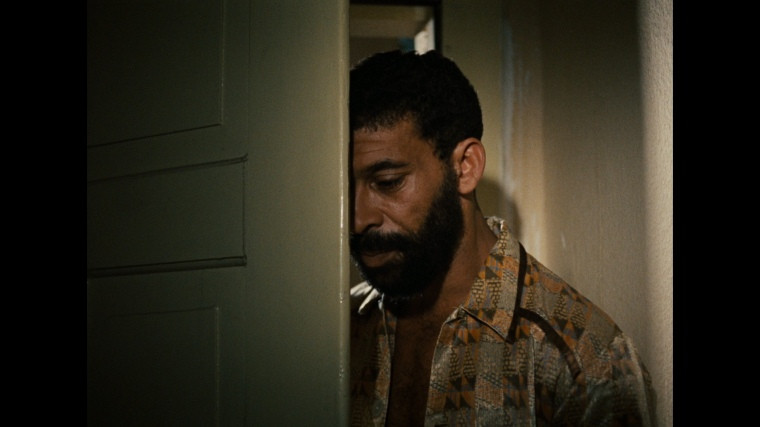 large_ali_fear_eats_the_soul_X01_blu-ray_